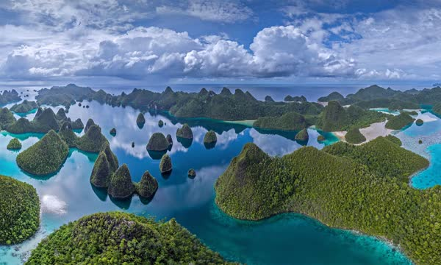 拉贾安帕特群岛中的瓦亚格岛