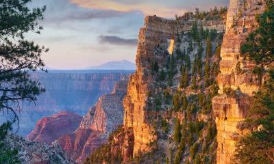 美国大峡谷北缘的天使之窗